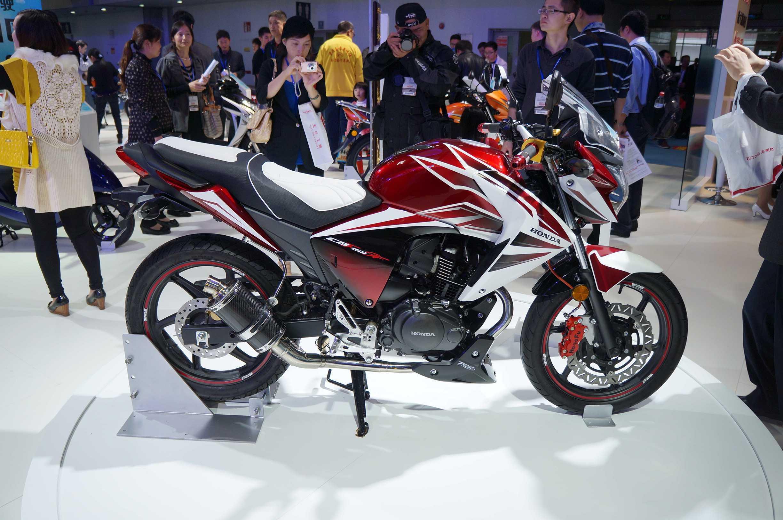 牛摩网 摩托车大全 新大洲本田 supercub(出口)  发表上市时间:2011