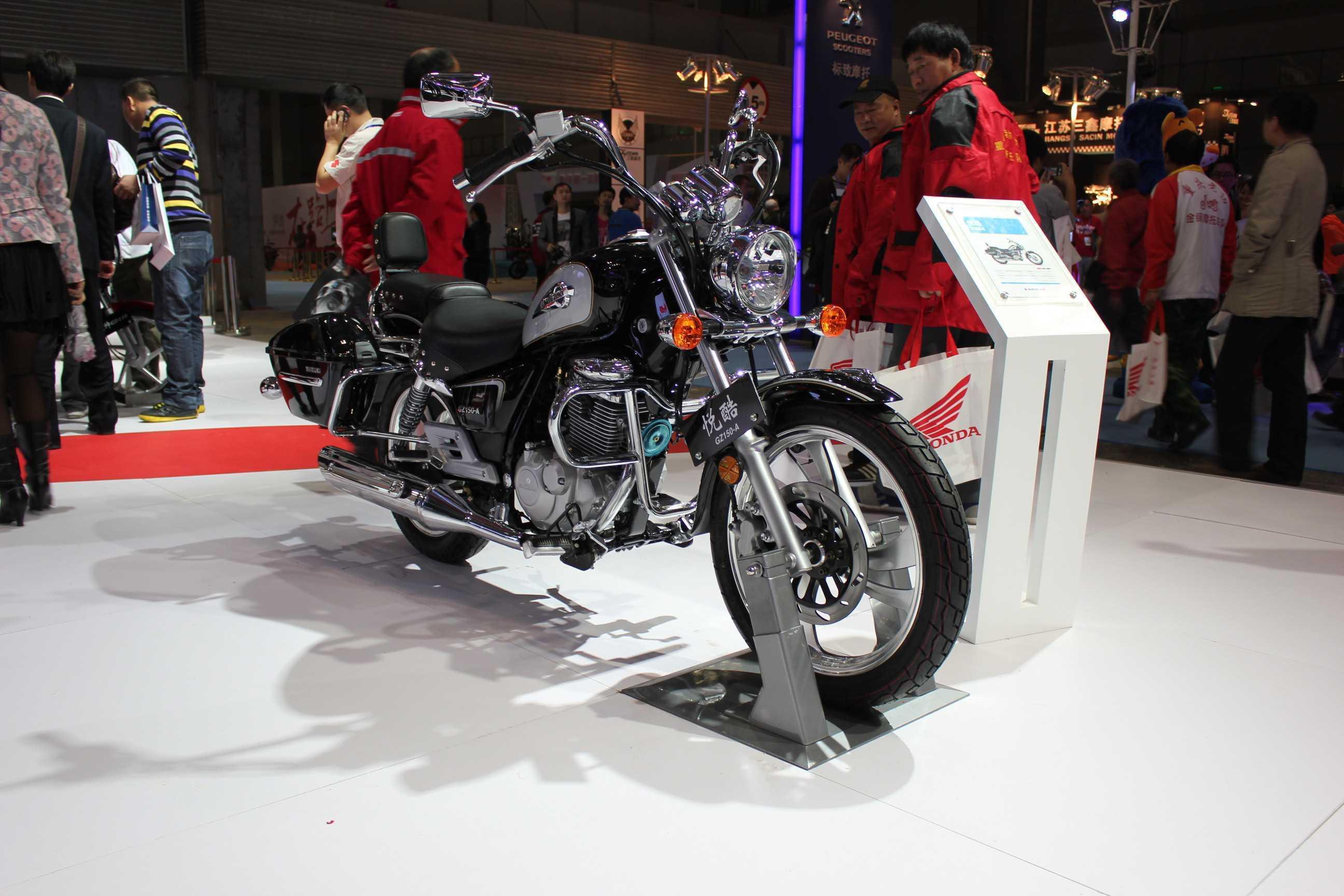 供应豪爵铃木太子摩托车悦酷gz150-a电喷 150cc 油耗1.