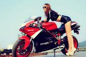 Superbike 848 evo Corse SE杜卡迪机车长腿美女(16张)