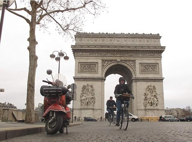 澳软件工程师骑摩托车环游世界