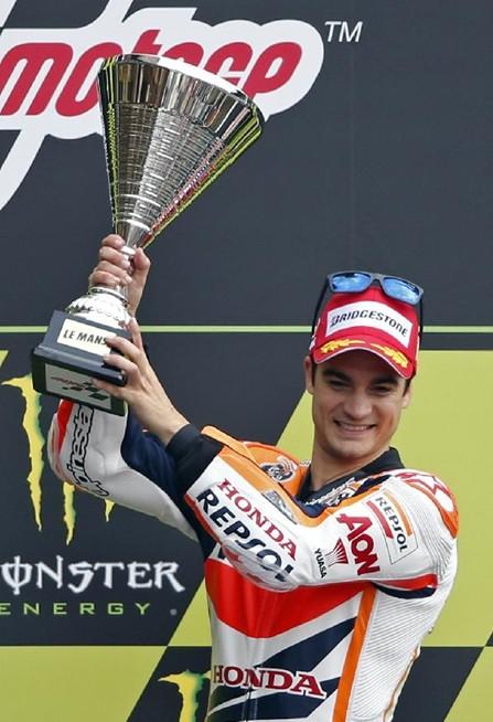 西班牙车手佩德罗萨获MOTOGP冠军