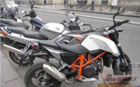 各种没见过去巴黎街边看摩托
