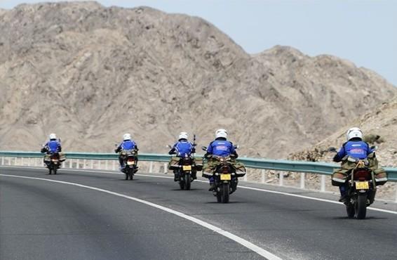 [穿越中国32]穿越沙漠公路