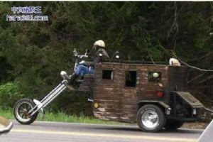 牛人改装的摩托车