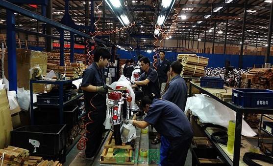[穿越中国7]参观银钢摩托车制造工厂