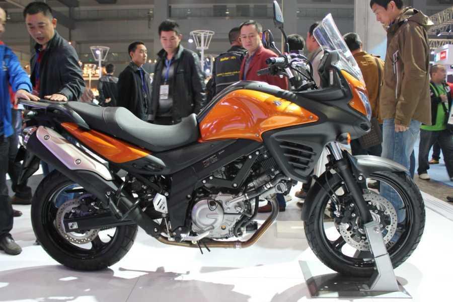 铃木 SuzukiV-Strom 650