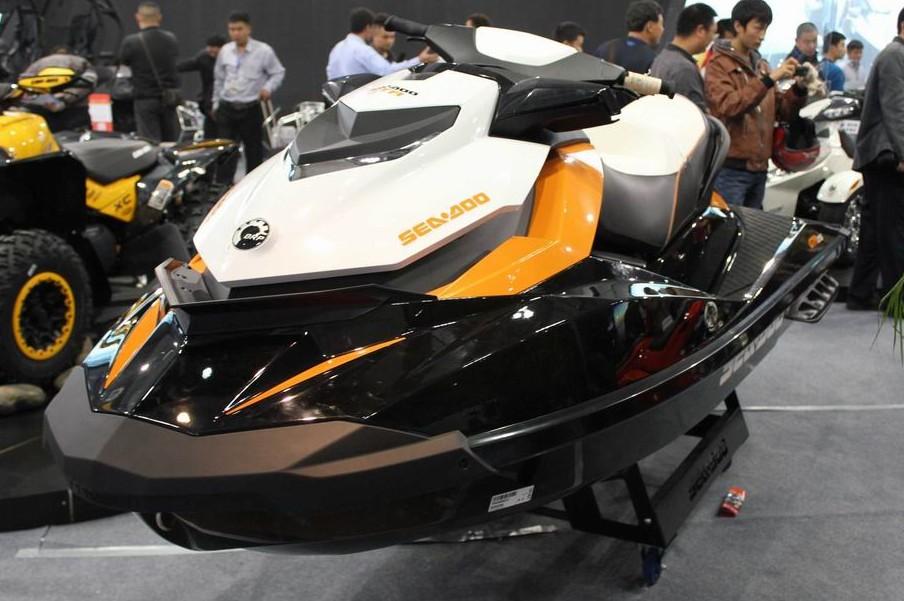 庞巴迪Bombardier摩托艇GTR 215