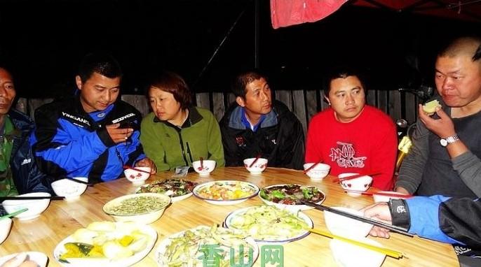 [穿越中国53]漫山遍野摘蘑菇