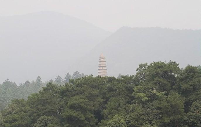 [穿越中国80]到韶山向毛主席铜像献花