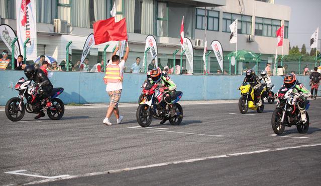 CRRC(上海站)力帆KP150包揽第一回合比赛前三