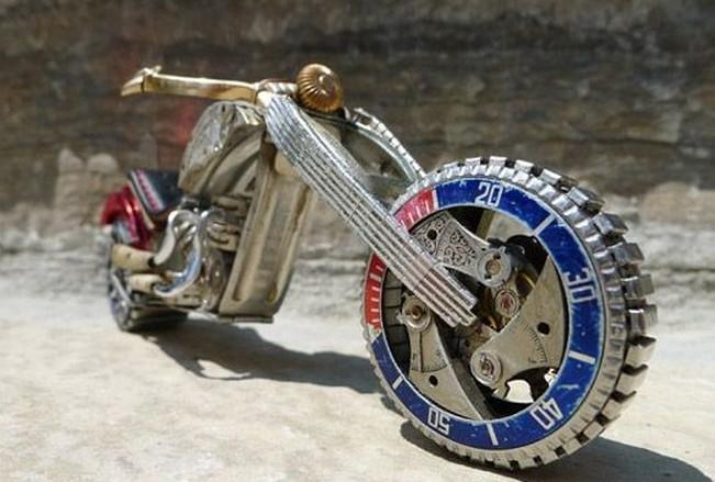 太神了钟表能做成这样的摩托车