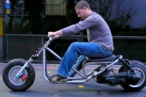 外国牛人自制的踏板摩托车
