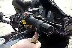 摩托车展示油门卡子使用方法视频