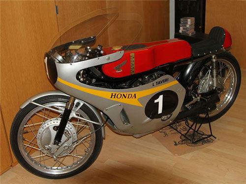 HondaRC148�c摩托�手塔�f里的�髌婀适�