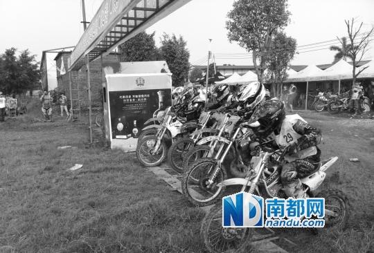 """哈雷""""生日""""青岛150辆摩托骑行庆贺"""
