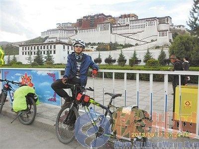 23岁小伙骑摩托车穿越可可西里