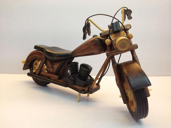 太精致了!手工木制的摩托车模型