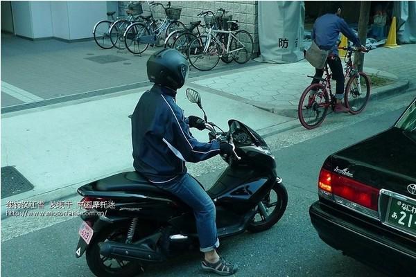 日本大街随拍的摩托车