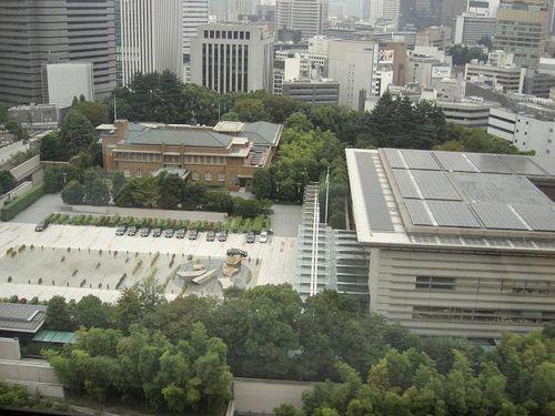 日本称安倍可骑摩托车上班:首相坐摩托满街跑