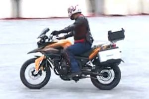 惊险刺激!宗申RX3摩托车闯关比赛