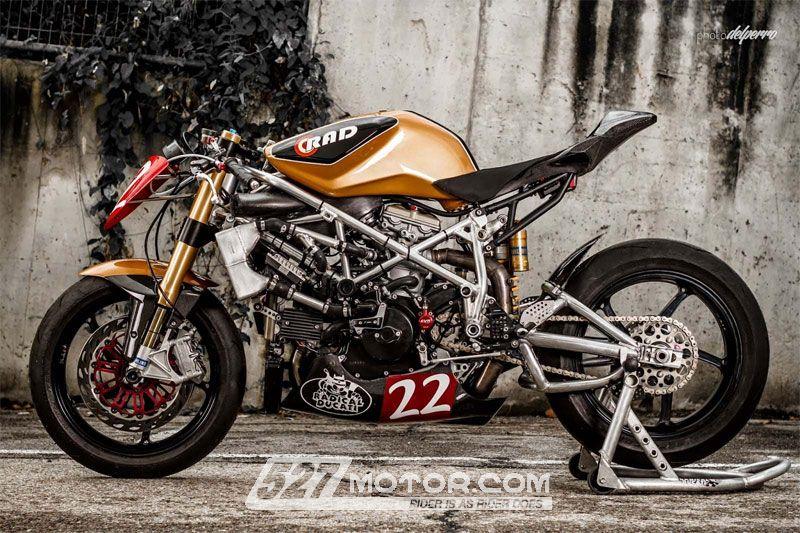 全方位改�b的Ducati1198