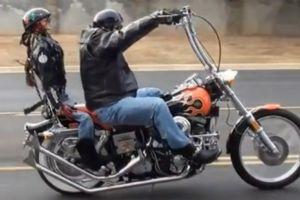 美轮美奂的哈雷摩托车
