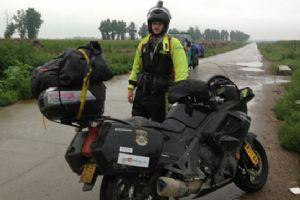 爱心之旅 骑摩托车做慈善活动