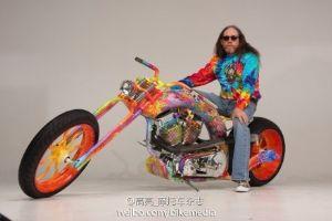 五颜六色的摩托车