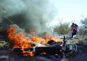两名阿根廷记者在达喀尔拉力赛中翻车丧生