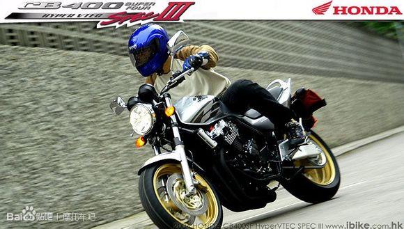 本田CB400的�l展史