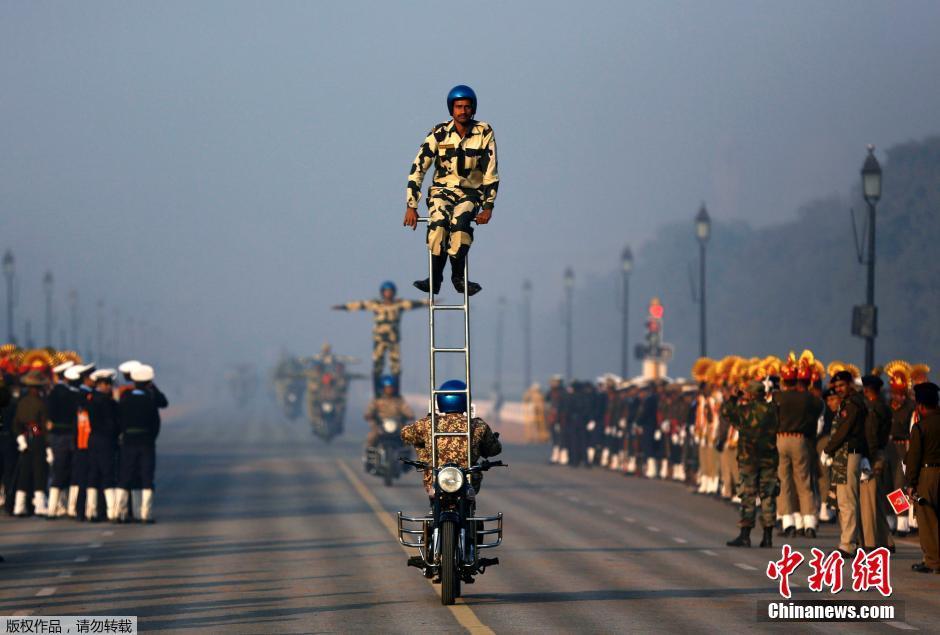 印度举行阅兵式庆祝陆军建军节