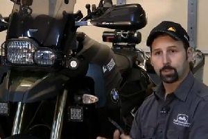 教你如何给摩托车应急补胎 宝马F800GS 拉力摩托