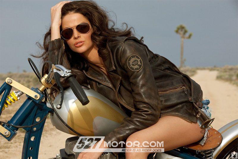 骑摩托的女人更开心更性感