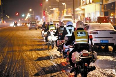 盛世国际app巡逻队坚守雪夜