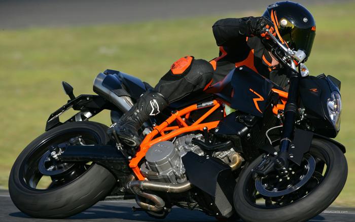 """KTM""""超级公爵""""掀起橙色风暴"""