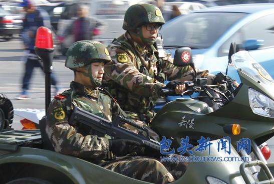 街头出现挎斗巡逻摩托车
