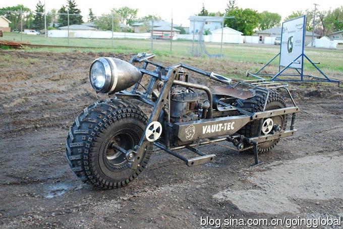 手工打造科幻电影复古摩托车