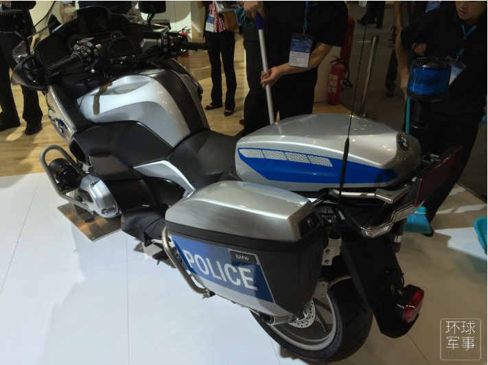 警博���_幕新款警用三�摩托造型��特