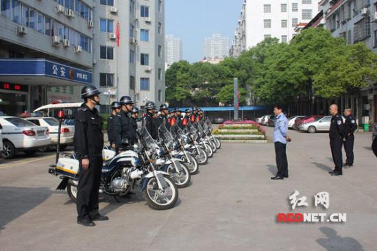 """永州冷水滩区成立摩托车巡逻队为""""五一""""安保添新"""