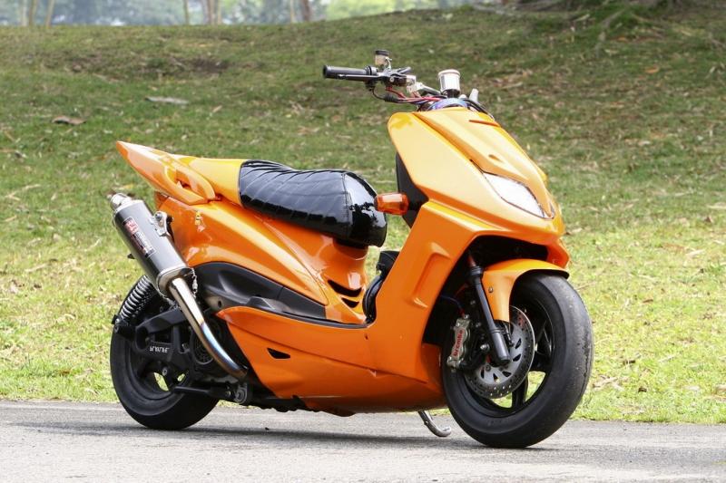 各类踏板摩托车爆改
