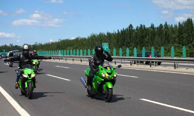 澳门美高梅娱乐手机版上高速公路行驶攻略