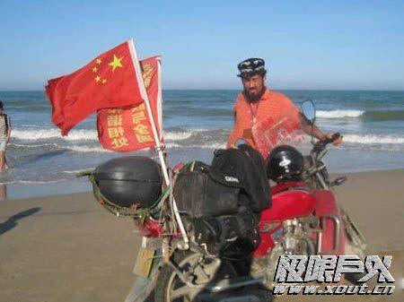 新疆骑摩托车环游全国小伙将抵达南昌