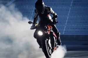 宝马2014新款摩托街车S1000R