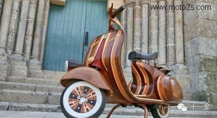 手工制作硬木摩托车