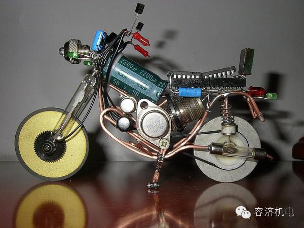 酷毙了!电子元件也能集成摩托车