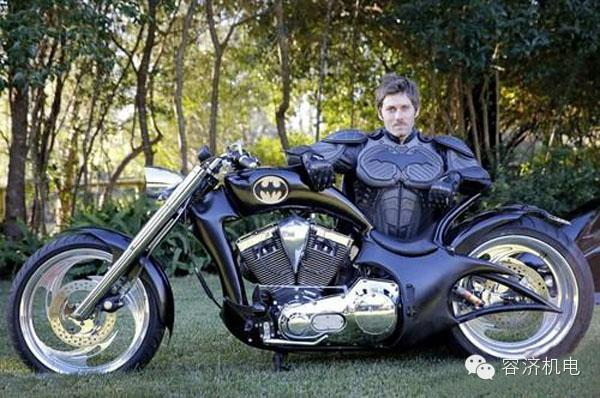 蝙蝠和摩托车的传奇,不仅仅是电影