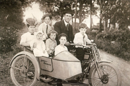 珍贵记忆:―黑白片时代的摩托车