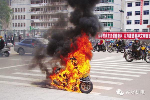 夏季高温:摩托车自燃及预防