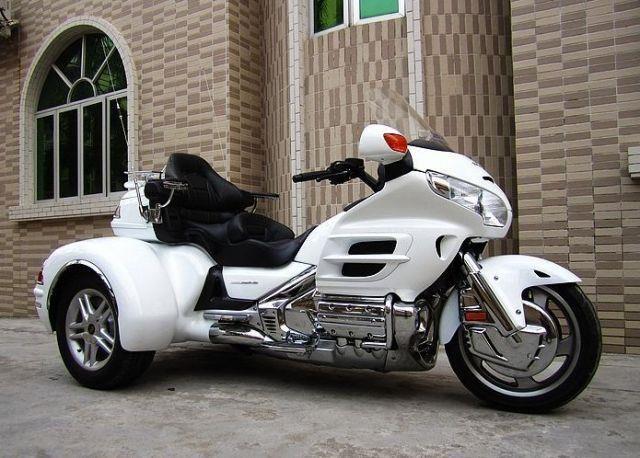 霸气外露本田金翼GL1800三轮车