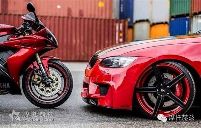 两轮跑车和四轮跑车的完美搭配